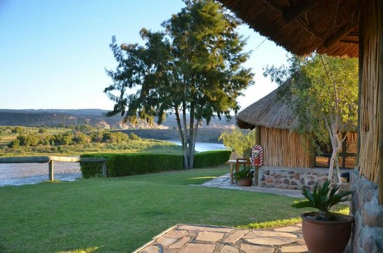 Felix Unite Camp Provenance: Well kept gardens and view of the Orange river!