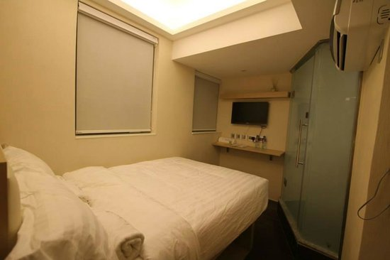 I-Hotel Limited: Double Standard Room