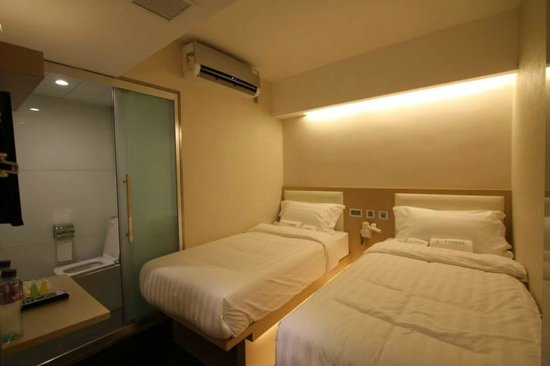 I-Hotel Limited: Twin Standard Room