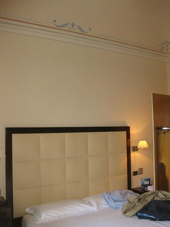 Hotel Novecento : updated and clean rooms