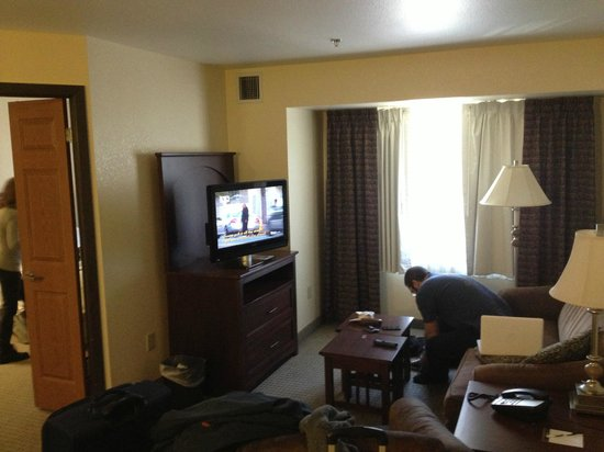 Staybridge Suites: Living/Common Area