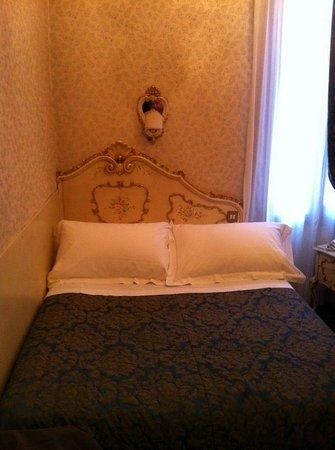 BEST WESTERN Montecarlo: cama muito pequena