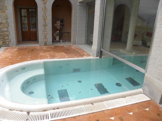Relais Il Falconiere & Spa: piscina centro benessere