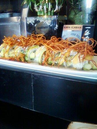 Nori Japanese Restaurant: Tropical Roll