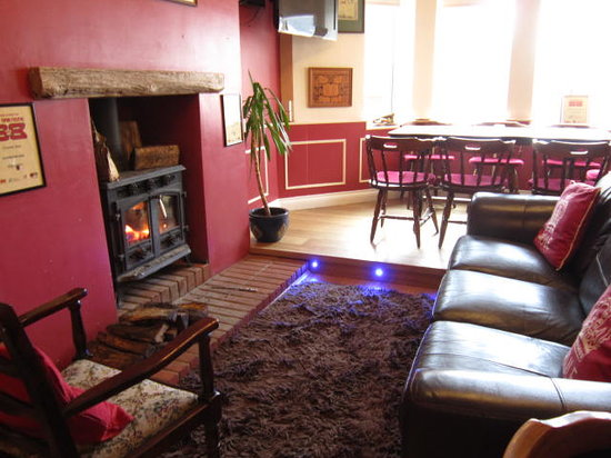 The Crown Inn: Relax in front of the fire after your meal