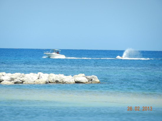 Sunscape Splash Montego Bay: Going out for a tow