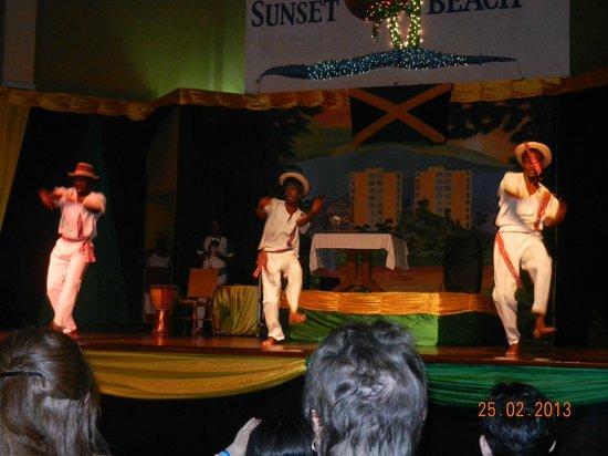Sunscape Splash Montego Bay: Nightly shows -