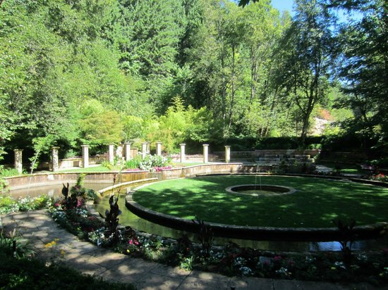 Belknap Hot Springs Lodge and Gardens: The secret garden