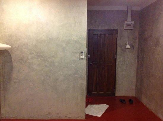 Fabb Hotel: ประตูห้องนอน