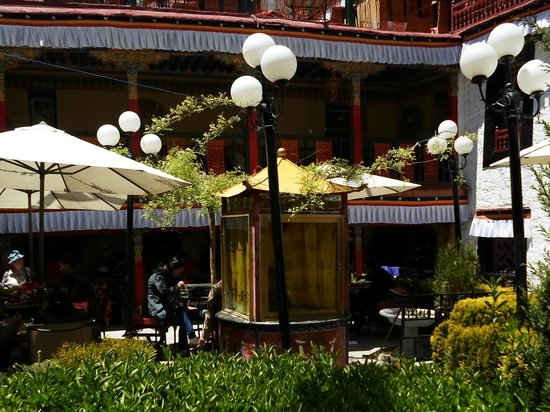 Namaste Restaurant: Outdoor Dining