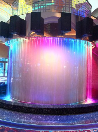Seminole Hard Rock Casino Tampa: Waterfall