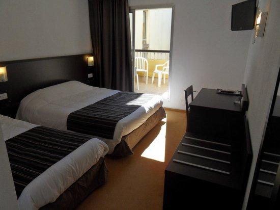Hotel Opal : chambre avec térrasse
