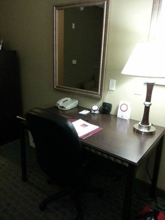 Comfort Suites Near Texas A&M-Corpus Christi: Work desk