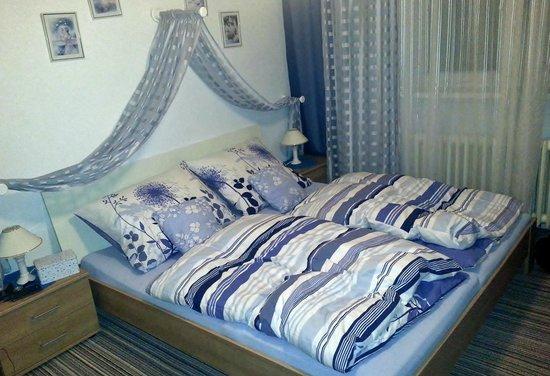 Pension Harmony: Спальня в апартаментах