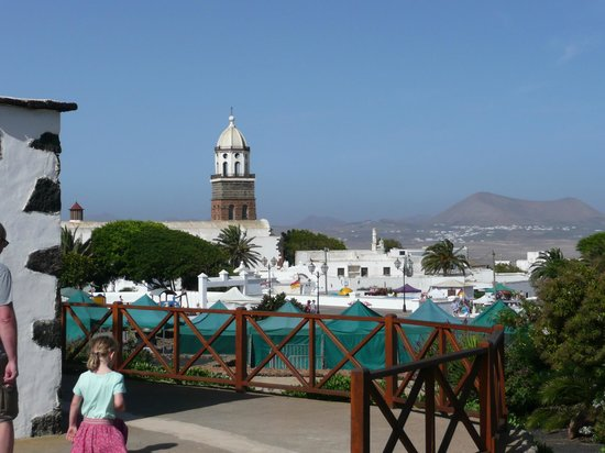 Teguise, Spanien: Church & market