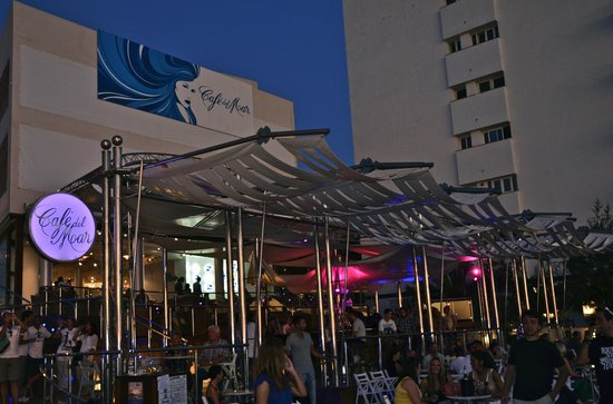 Cafe Del Mar: Seafront view