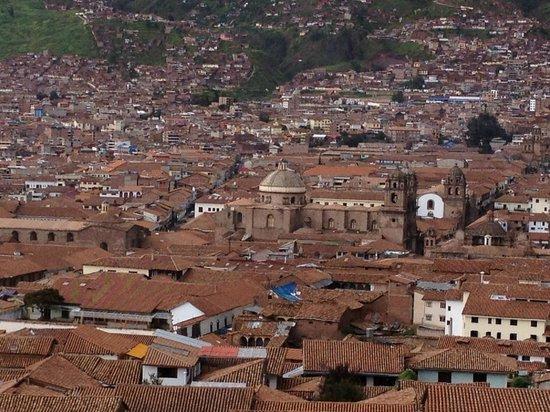 Casa de Mama Cusco-The Treehouse: View of Cusco from street above Casa de Mama