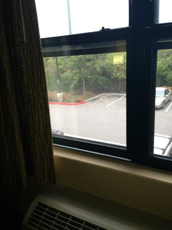 Extended Stay America - Orange County - Yorba Linda : window would not close