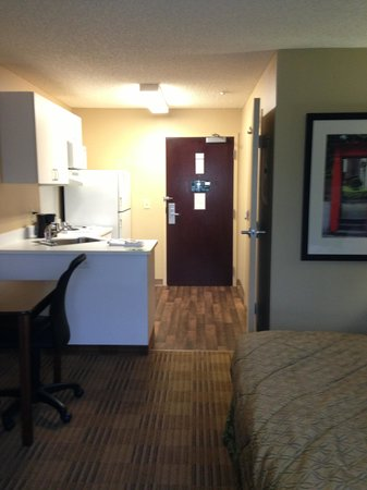 Extended Stay America - Orange County - Yorba Linda: Room