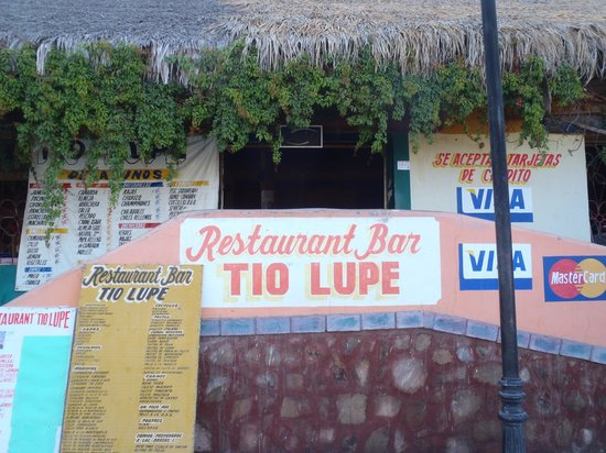 Tio Lupe: View from the street
