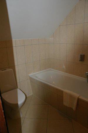 Guest House Pirkliu Namai: ванна