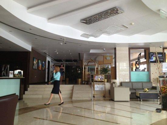 Landmark Hotel Riqqa : reception