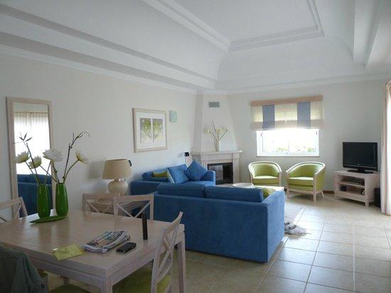 Vale d'Oliveiras Quinta Resort & Spa: Lovely main room