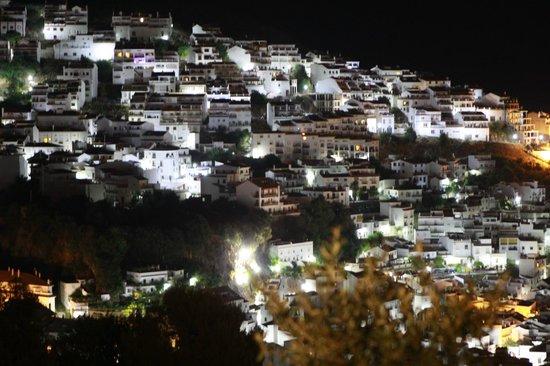 El Fogón de Flore: Vistas del pueblo desde el Restaurante