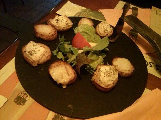 La Malterie : Toasts chèvre et maroilles