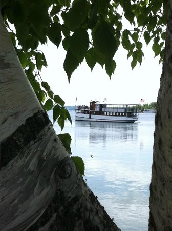 Mid-Lakes Navigation: Spring cruise from beautiful Skaneateles, New York