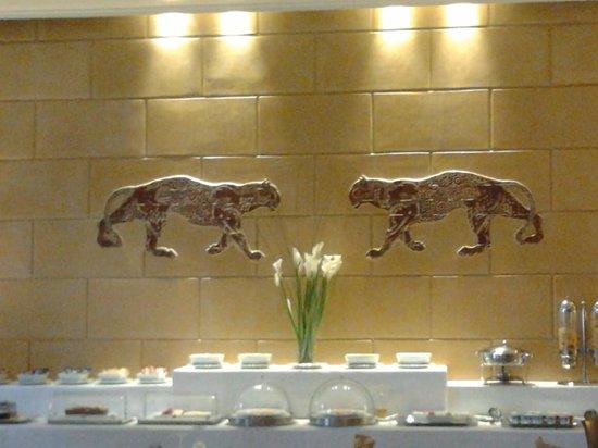 Le Soundouss Hotel : salle petit déj/resto
