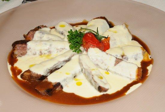 La Pinetina: tagliata parmigiano e tartufo