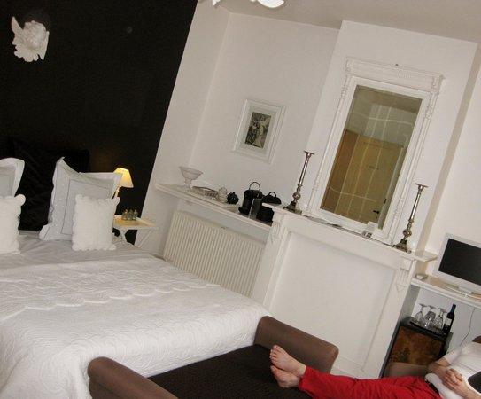 Engelen Aan De WaterKant: cute and pretty room