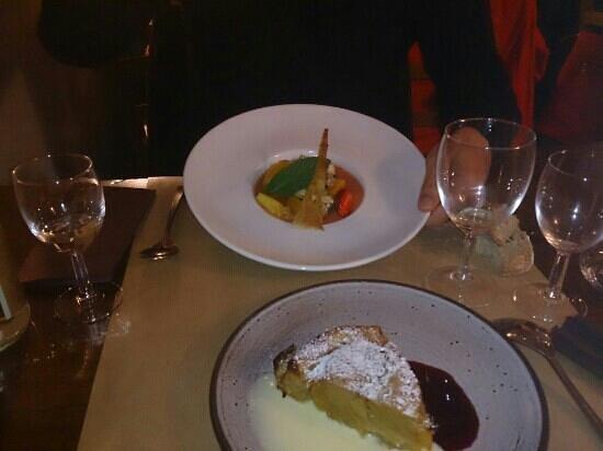 Pompe aux pommes / Soupe de fruits - Picture of Le Kitchen et ...