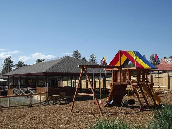 Bogey Q: Great Playground for the kids & outdoor pavillion.