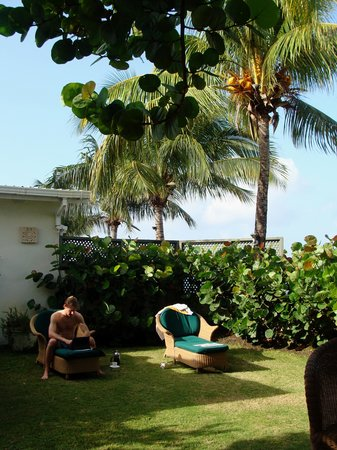 Little Good Harbour: The lawn at Fort Suite