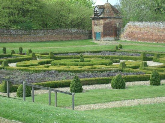 Basing House: The maze gardens
