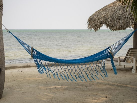 Cocotal Inn & Cabanas: Beach Hammock at Cocotal