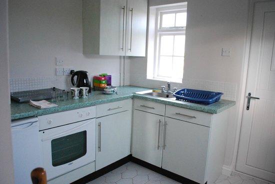 Havyatt Cottage B&B: Kitchen has its own entrance from parking