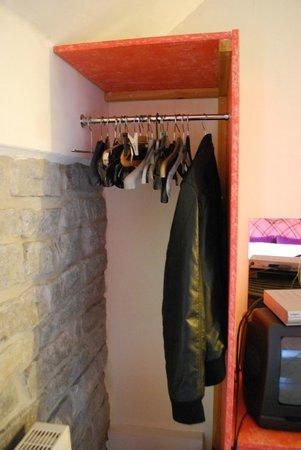 Havyatt Cottage B&B: storage
