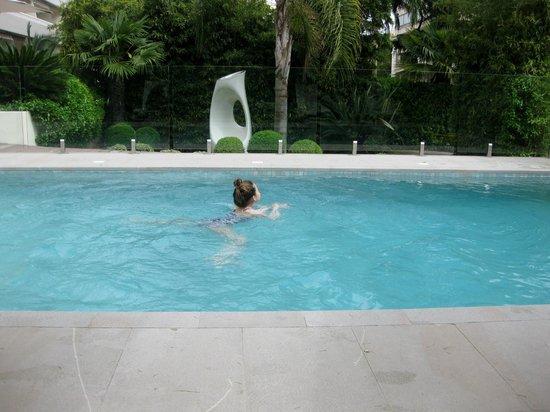 Hotel Le Canberra: amazing swimmingpool