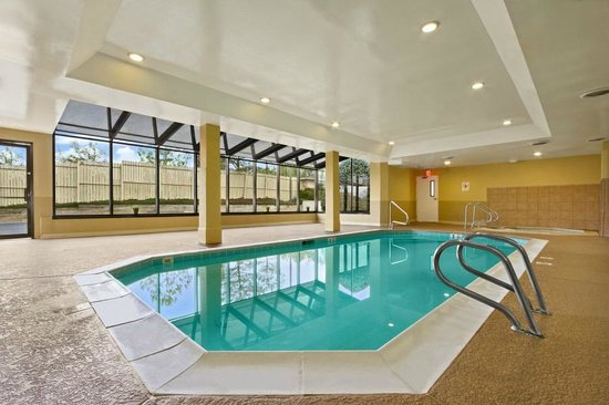 Ramada Marietta/Atlanta North: Pool Area