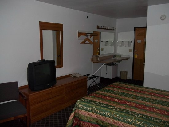 Big Timber River Valley Inn: single qween room