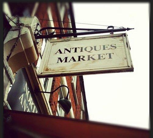 Northcote Road Antiques Market: Market Sign