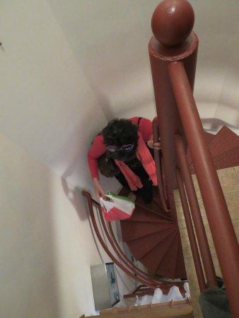 Rog Dogg Rooms: le petit escalier pour acceder au second étage!
