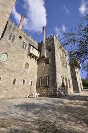 Paço dos Duques de Bragança: Exterior.