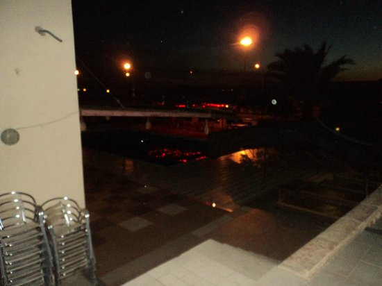 Darna Village Beach Hotel & Dive Center: pool at night