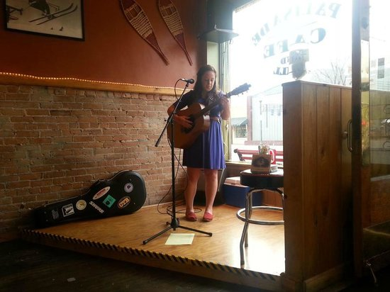 Palisade Cafe and Grill: Annalise Emerick brought down the house.