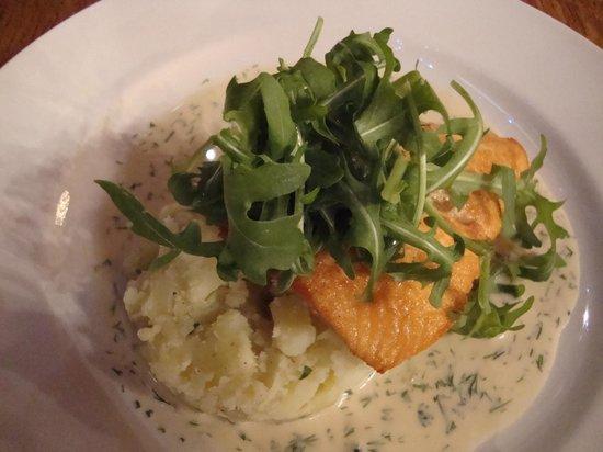 The Star Tavern : Star Tavern Salmon - Yummy