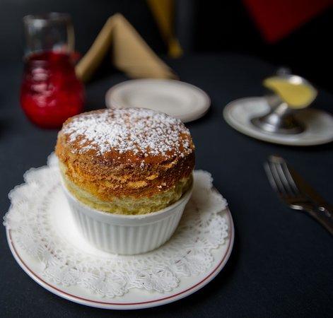 Le Bistro: Best restaurent in town,hands down